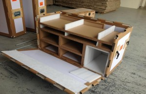 Compartment travelling  crate