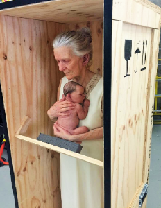 Sam-Jinks-grandmother-and-child-2