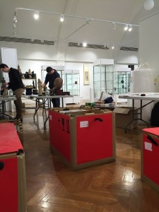 packing-crates-at-gallery