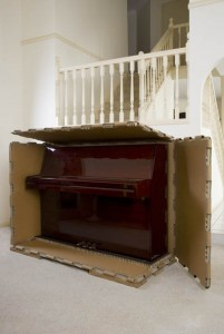 piano-in-crate-with-front-side-and-top-off (1)